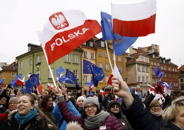Manifestanti a Varsavia, Polonia