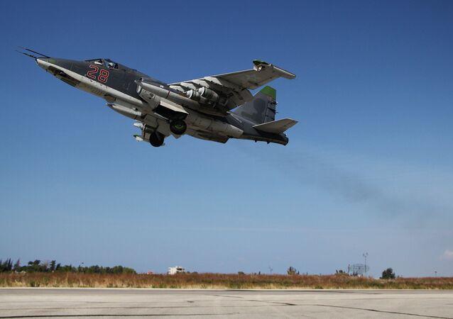 Caccia russo Su-25 in Siria (foto d'archivio)