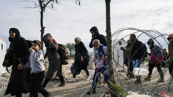 Migranti al confine greco-macedone - Sputnik Italia