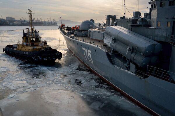 Ritorno a terra, le navi della Flotta del Pacifico rientrano a Vladivostok - Sputnik Italia