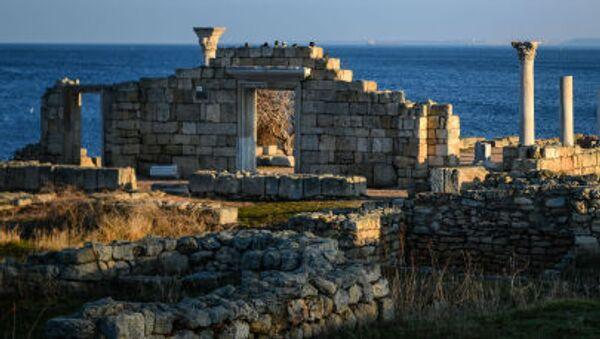 Руины древнего города Херсонес в Крыму - Sputnik Italia