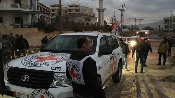 Croce Rossa a Madaya, Siria - Sputnik Italia
