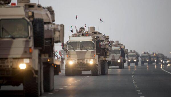 Convoglio dell'esercito degli Emirati Arabi in Yemen - Sputnik Italia