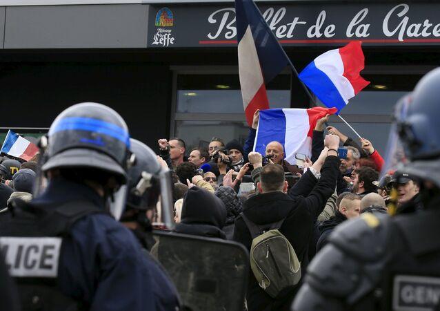 Manifestazione di Pegida a Calais