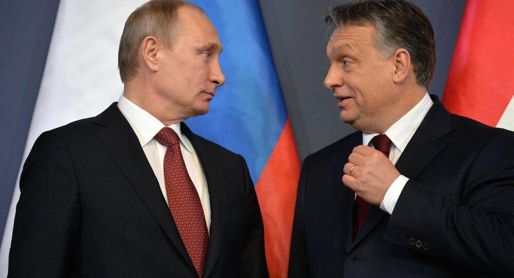 Vladimir Putin e Viktor Orban (foto d'archivio)