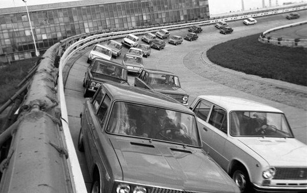 La pista di collaudo della fabbrica di Togliatti - Sputnik Italia