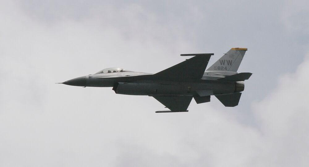 Caccia F-16