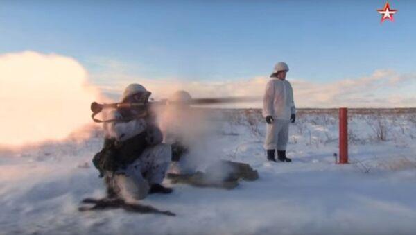 Esercitazioni invernali di fanteria della marina russa - Sputnik Italia
