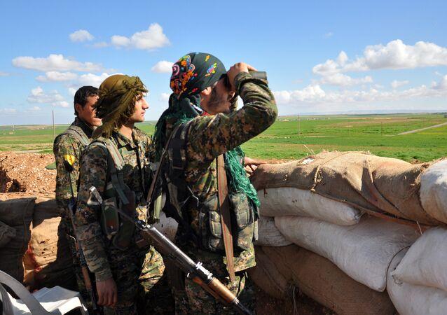 Militari kurdi (YPG)