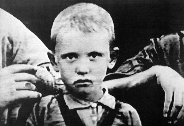 La foto del giovane Mikhail Gorbaciov - Sputnik Italia