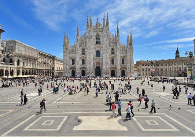 Si terrà in forma solenne il rito funebre di domani pomeriggio alle 16 nel Duomo di Milano