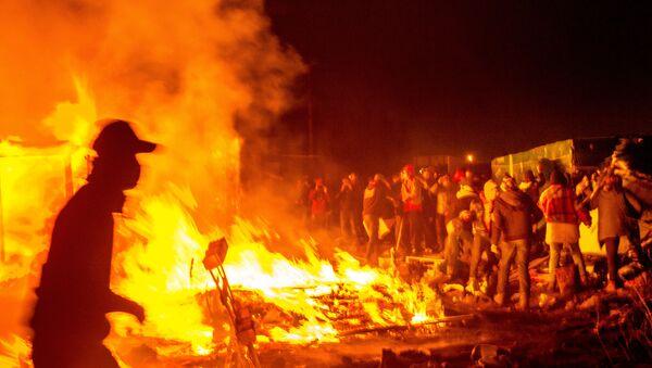 Migranti a Calais - Sputnik Italia