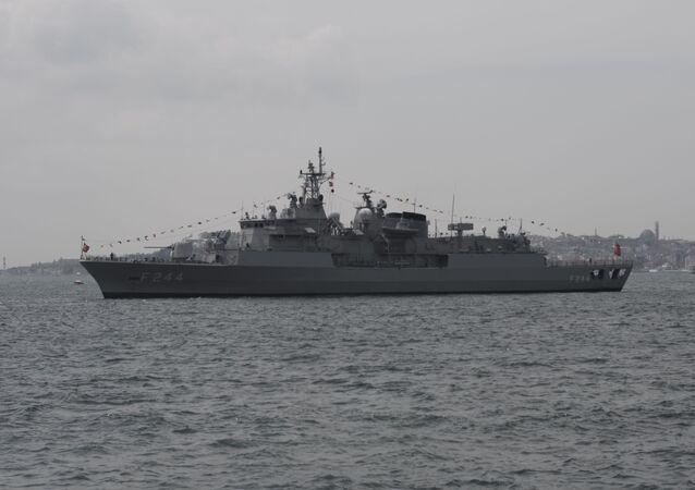 Fregata turca Barbaros