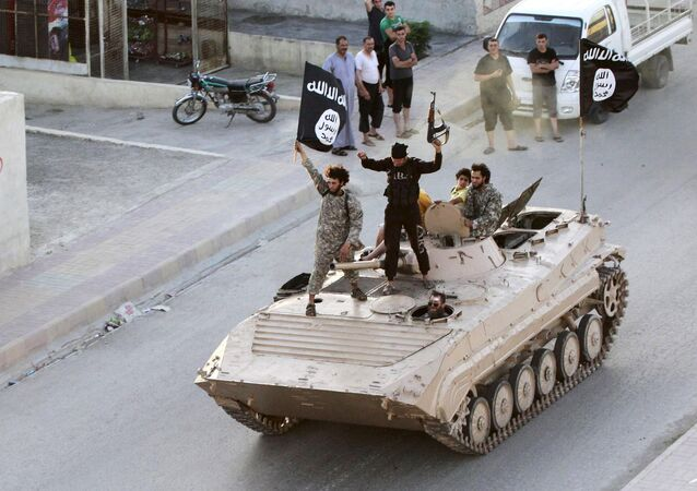 Terroristi del Daesh a Raqqa (foto d'archivio)