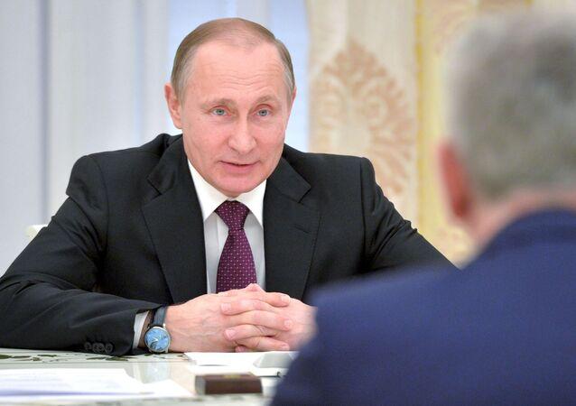 Incontro tra presidenti di Russia e Serbia al Cremlino