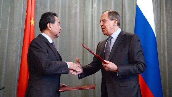 Ministri degli Esteri di Cina e Russia - Sputnik Italia