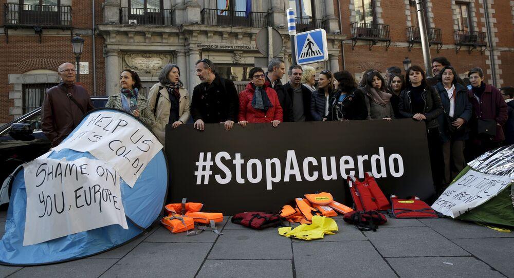Manifestazione contro accordo tra UE-Turchia a Madrid