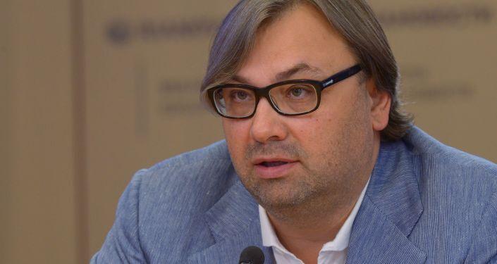 """Timofey Sergeytsev, filosofo, metodologo, membro del club Zinoviev MIA """"Rossiya Segodnya"""""""