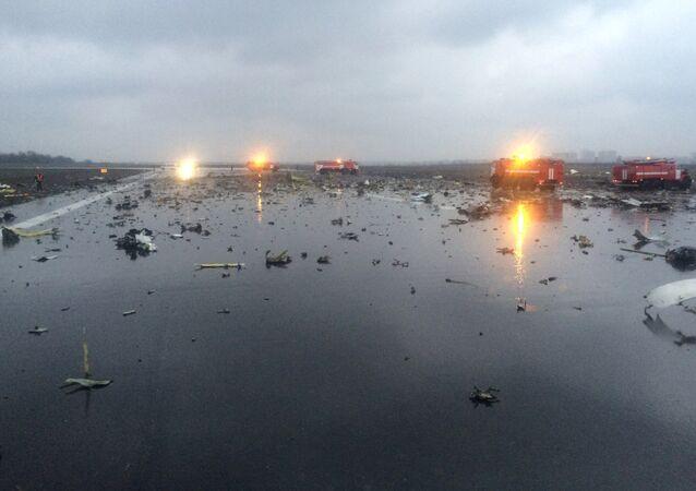 Veicoli di emergenza sulla pista dopo il disastro