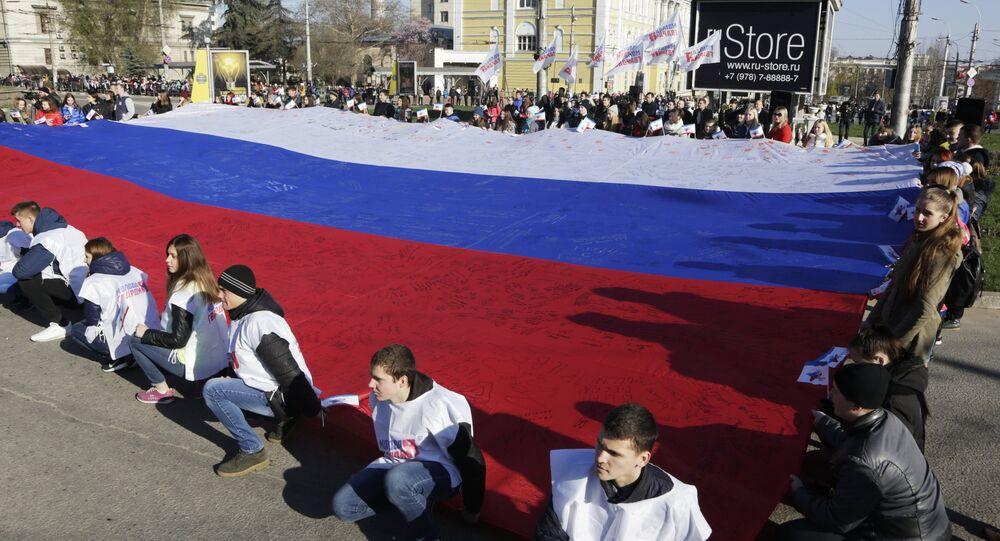 Simferopoli, manifestazione per celebrare il 2° anniversario della riunificazione della Crimea con la Russia