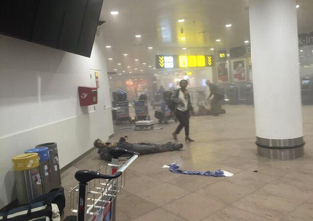 Uomo ferito all'aeroporto di Bruxelles attaccato dai terroristi