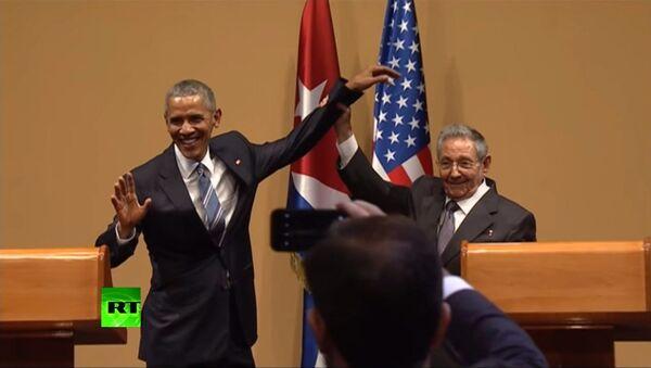 Niente abbraccio per Obama - Sputnik Italia