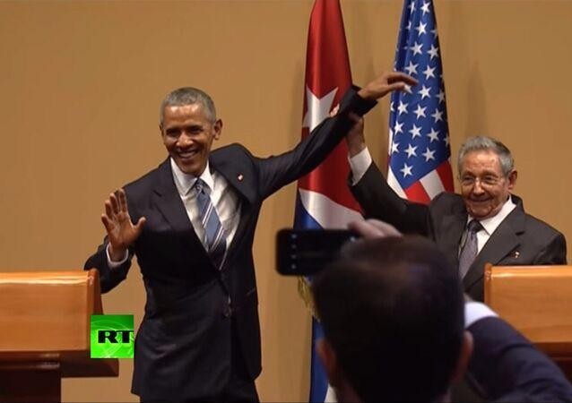 Niente abbraccio per Obama