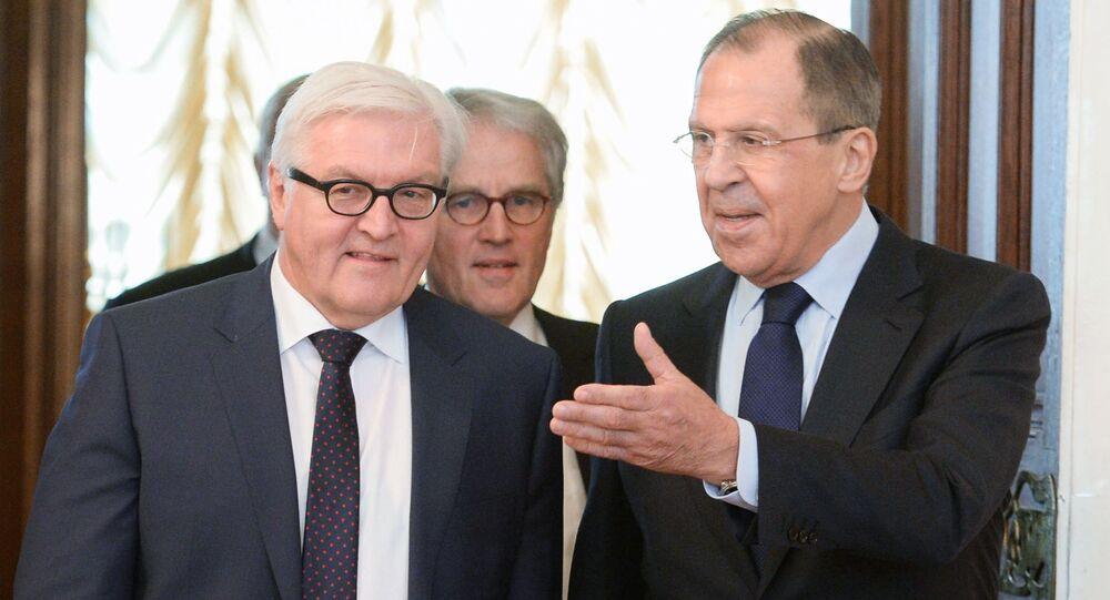 Frank-Walter Steinmeier e Sergey Lavrov a Mosca