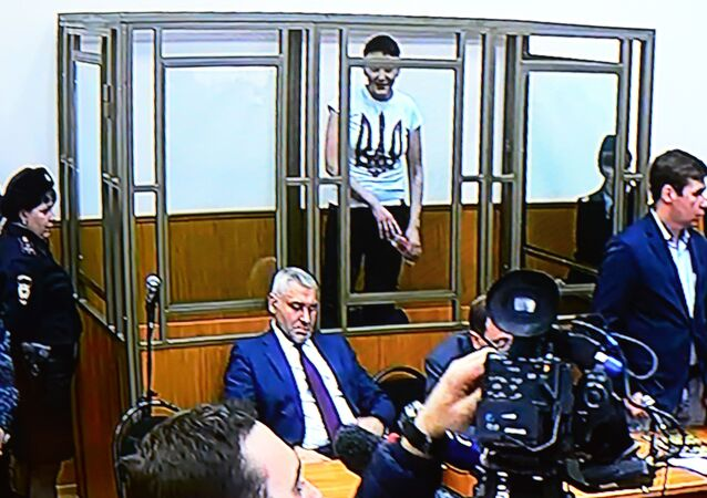 Nadia Savchenko al tribunale di Donetsk (Russia)