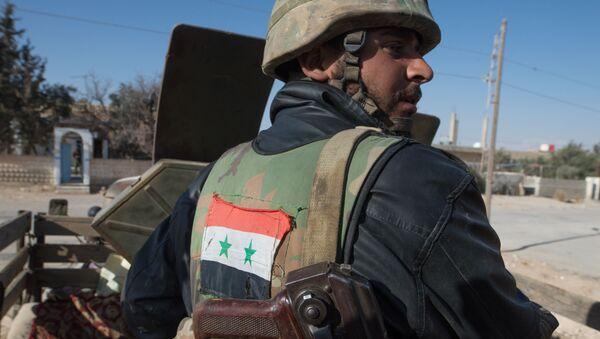 Бойцы Сирийской арабской армии в окрестностях города Мхин в Сирии - Sputnik Italia