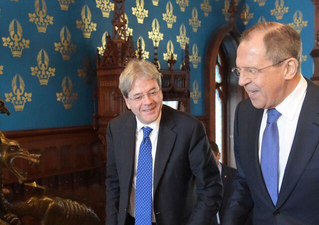Paolo Gentiloni e Sergey Lavrov