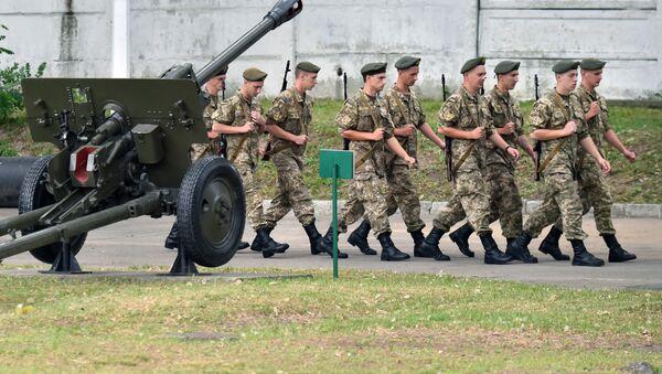 Украинские военнослужащие в Киеве, Украина - Sputnik Italia