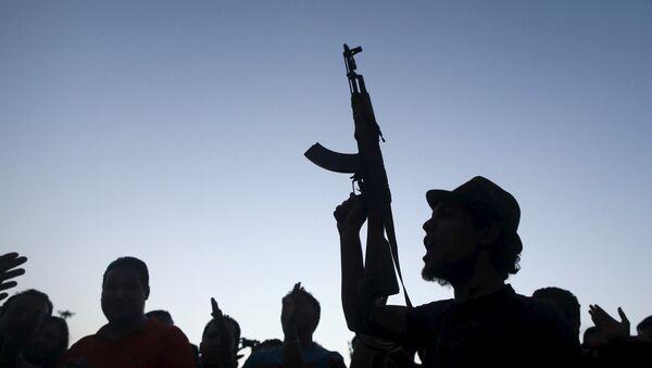 Un uomo armato in Libia - Sputnik Italia