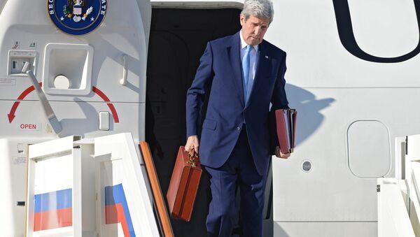 Il segretario di Stato John Kerry arriva a Mosca - Sputnik Italia