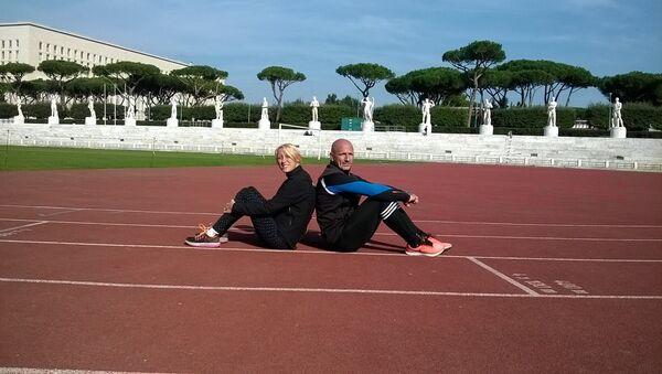 Oxana Corso e il suo allenatore - Sputnik Italia