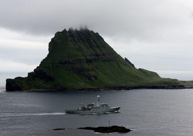 Danish navy at Tindhólmur