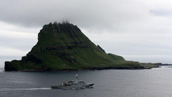 Danish navy at Tindhólmur - Sputnik Italia