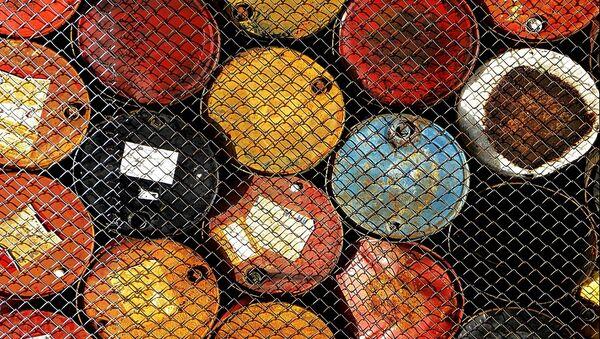 Ai turchi o all'Iran, a chi devono vendere il loro petrolio i curdi? - Sputnik Italia
