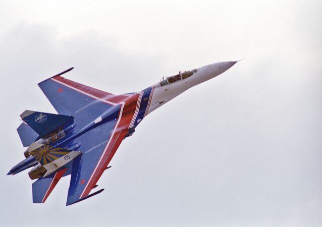 Caccia russo Su-27