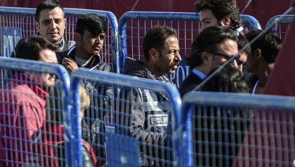 Grecia, nell'isola di Chio centinaia di clandestini protestano per espulsioni in Turchia - Sputnik Italia