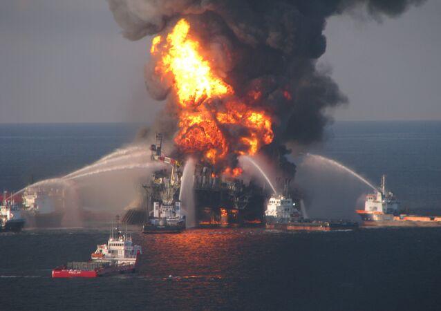 Il disastro alla piattaforma petrolifera Deepwater Horizon, 2010.