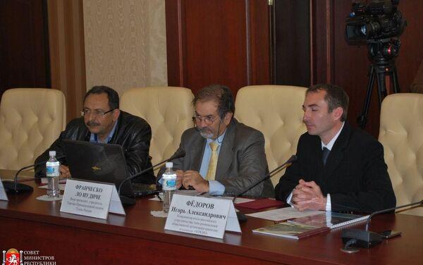 Francesco Lo Iudice insieme ad Igor Ferri portavoce dell'Associazione degli Italiani di Crimea e cofondatore di Krimprom - Sputnik Italia