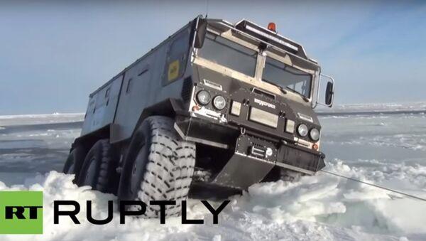 'Burlak' conquista il Polo Nord - Sputnik Italia