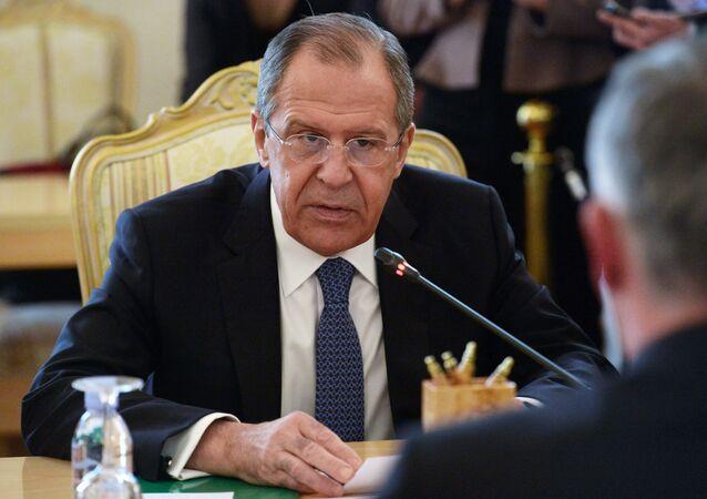 Sergey Lavrov durante incontro con ministro Esteri elvetico Didier Burkhalter