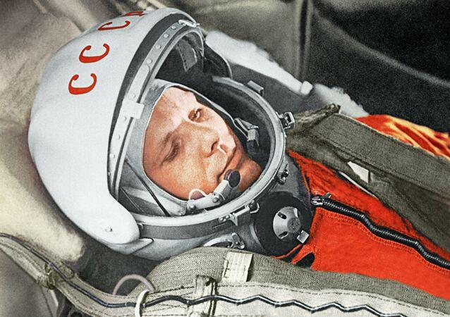 Yurij Gagarin a bordo della navicella Vostok-1 il 12 aprile 1961