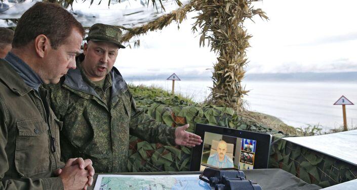 Il Premier russo Dmitry Medvedev ha visitato Curili in agosto 2015