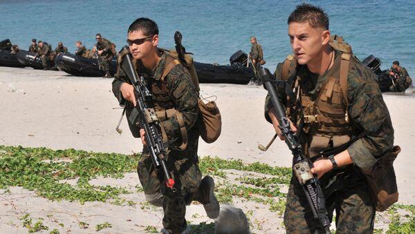 Американские солдаты во время учений на острове Манила, Филиппины - Sputnik Italia
