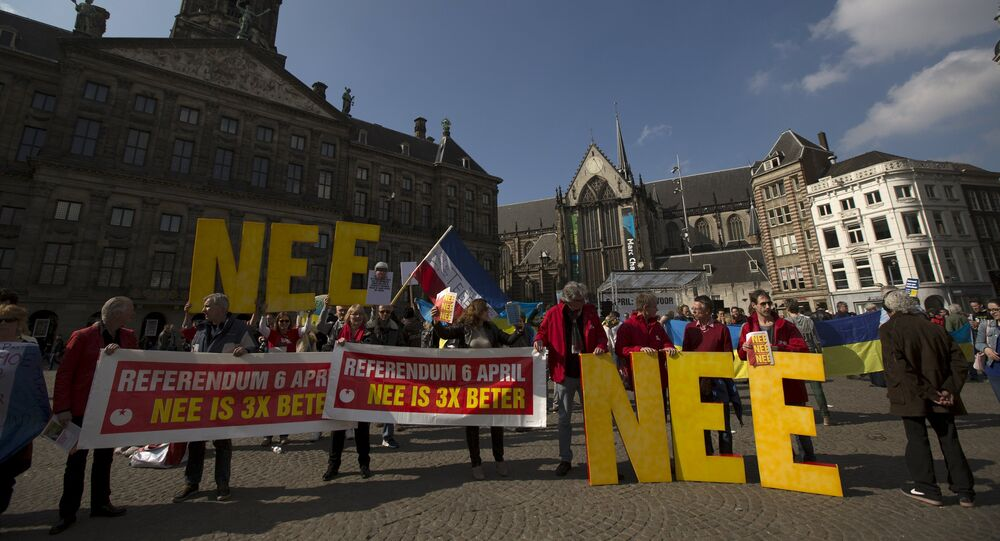 Demonstrators call for people to vote no in the EU referendum during a protest at Dam Square in Amsterdam, the Netherlands April 3, 2016.