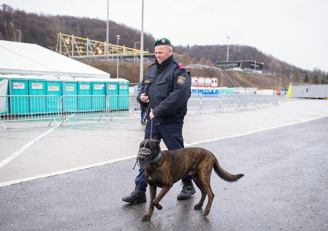 Un agente di polizia in Austria