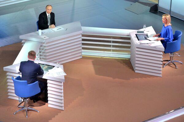 Linea diretta con Vladimir Putin. - Sputnik Italia
